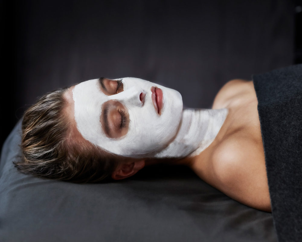 amazing-space-treatment-facial
