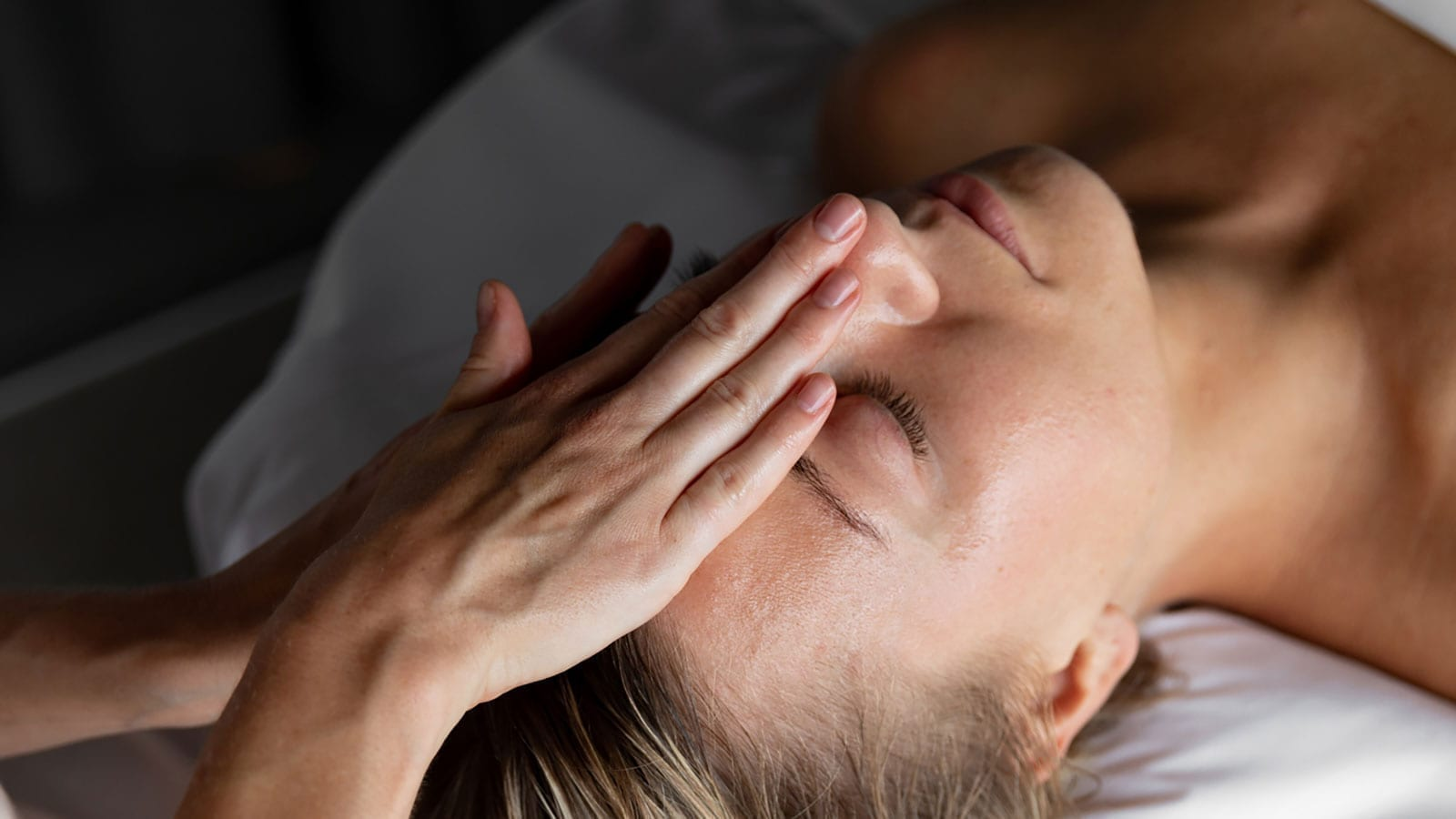 Facial Massage – Slow Beauty Rituals